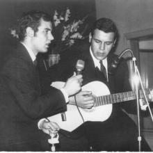 """En Radio Popular de Albacete (1968) Días después de actuar en Televisión en el Programa """"Música 3 """"27.jpg"""
