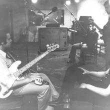 """Tony Arcos y """" Los Brujos"""" -Estudios Sintonia-Madrid- 1973 Isidro, Tony Arcos, Luis, y """" El Mada""""...en un descanso de la grabación."""