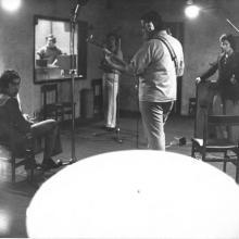 """Estudios Sintonía -Grabando """" Emi """" Una canción que hice para el grupo..."""